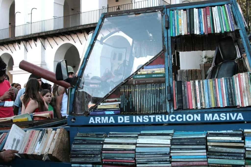 Arma de Instrucci on Masiva, Argentina